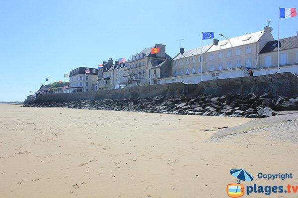 Arromanches from Neptune beach