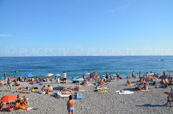 Spiaggia di fronte al Negresco a Nizza - Estate
