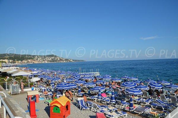 Plage privée sur la plage Neptune - Nice en été