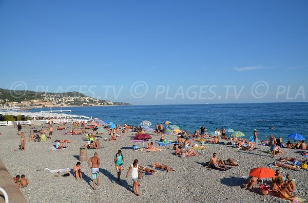 Photo of the Neptune beach in Nice in Summer