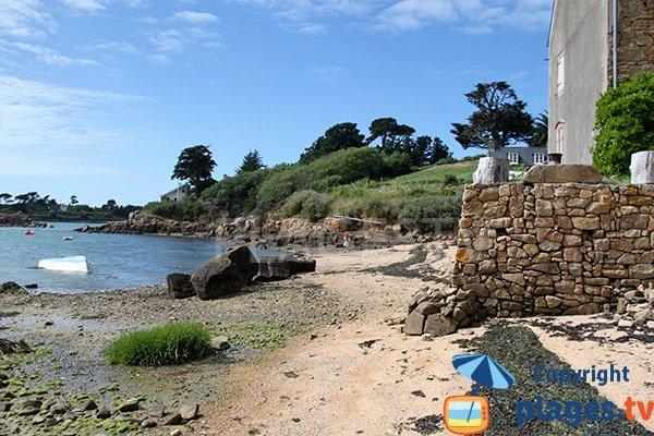 Plage pittoresque sur l'ile de Bréhat