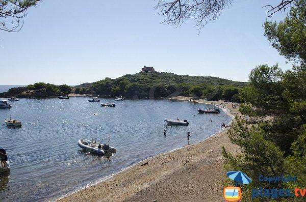 Plage peu fréquentée à Porquerolles - Plage Noire du Grand Langoustier