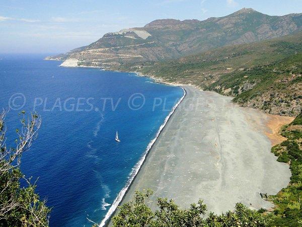 Plage de Nonza dans le Cap Corse