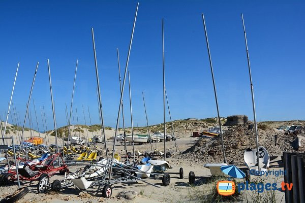 Sand yachting in Fort-Mahon