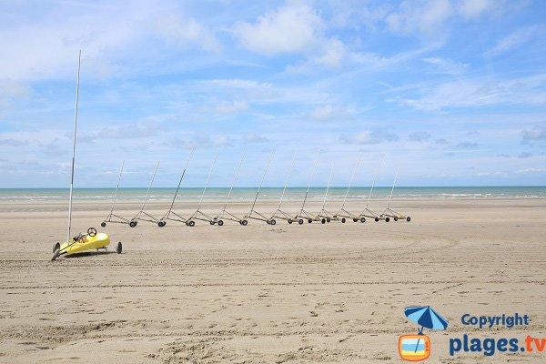 Char à voile sur la plage de Sainte-Cécile