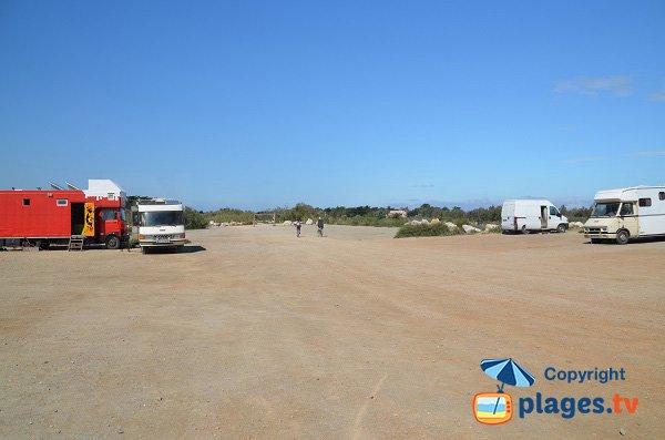 Parking camping-car au niveau de l'Agly - Torreilles