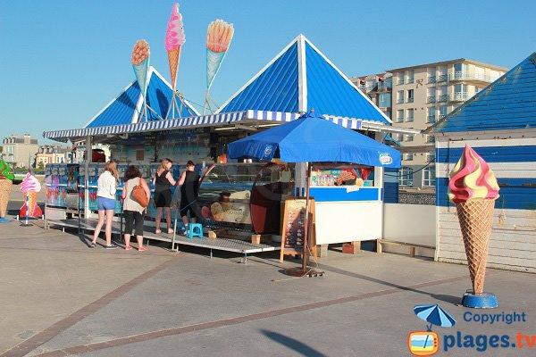 Kiosque à glace sur la plage de Wimereux