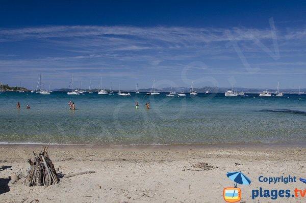 Grande spiaggia di sabbia a Porquerolles