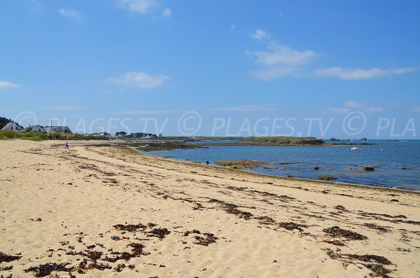 Beach near the port of Kerhostin in Quiberon