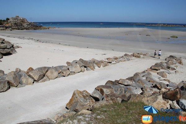 Cale sur la plage d'Ode an Deved à Cléder