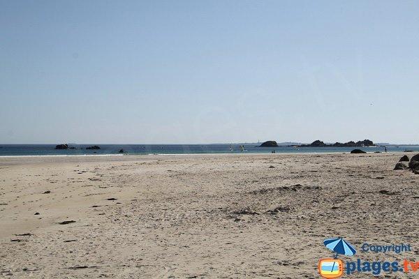Crique à Cléder dans le prolongement de la plage principale