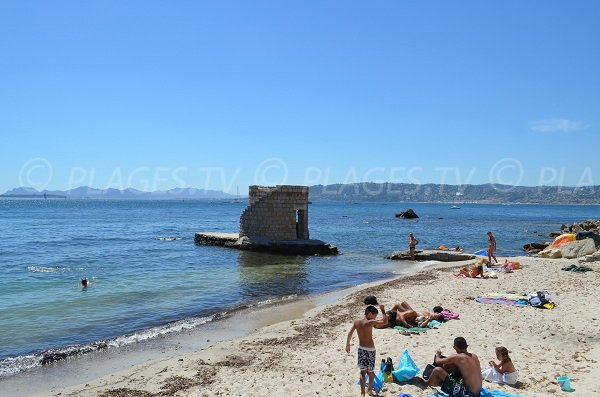Sand beach in Cap d'Antibes near to Juan les Pins