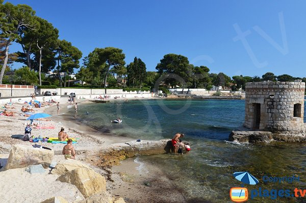 Photo of Ondes beach in Cap d'Antibes in France