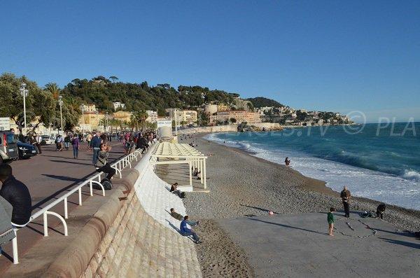 Plage privée en saison sur la plage de l'Opéra