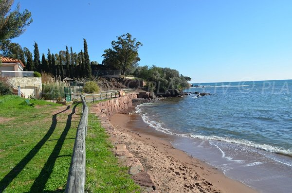Garden and beach of Oratoire in Agay