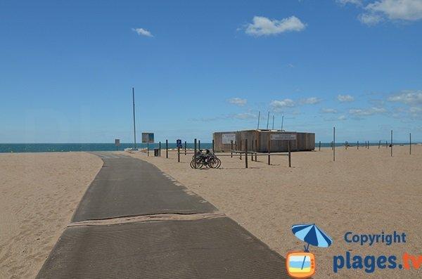 Accès aménagé sur la plage Ouest de Portiragnes