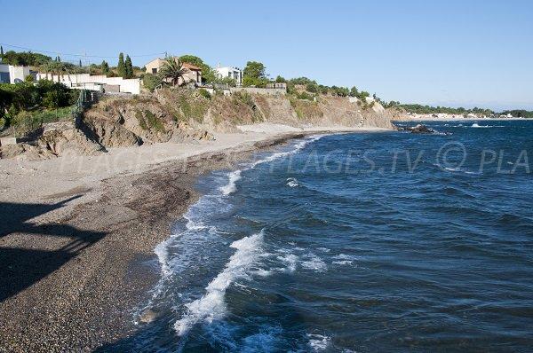 Plage à la sortie de Collioure en direction d'Argelès - l'Ouille