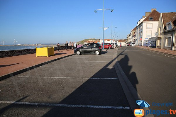 Parking around Portel beach
