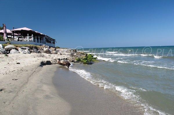 Paillote sur la plage de Padulone à Aléria