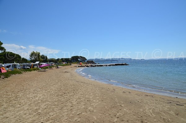 Pansard beach with view on Porquerolles