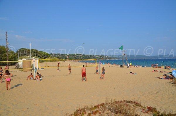 Beach volley sur la plage du Pardigon