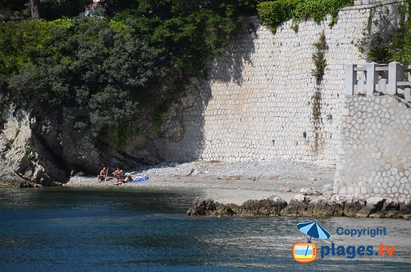 Passable cove next to public beach - Saint Jean Cap Ferrat