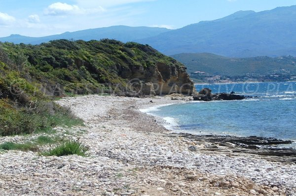 Plage de Patrimonio en galets - Haute Corse