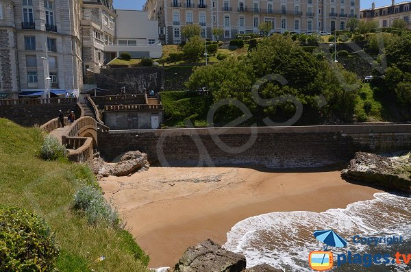 Photo of the beach near the harbor of Biarritz