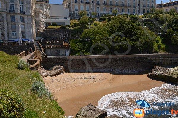 Photo of the beach near the harbor of Biarritz