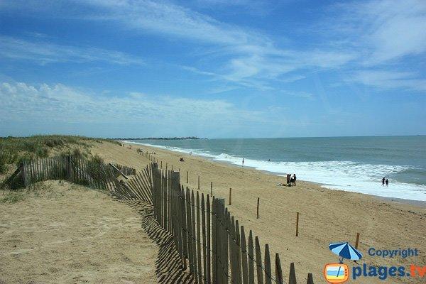 Photo de la plage de la Pége en direction du sud (Sion sur Océan) - St Hilaire de Riez