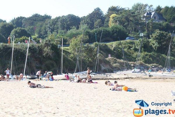 Catamarans rental on the beach of Pen Guen