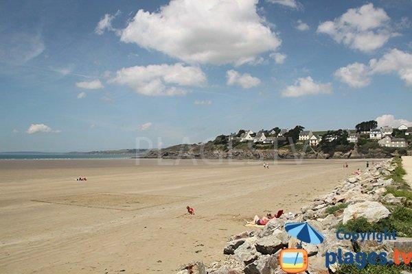 Environnement de la plage de Saint Nic dans le Finistère