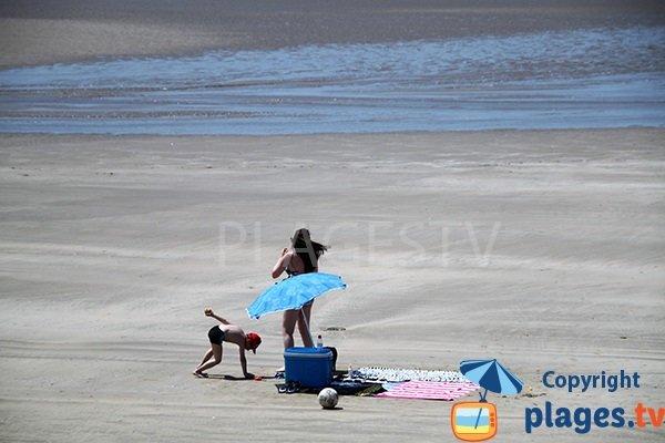 Grande plage de sable à Saint Nic