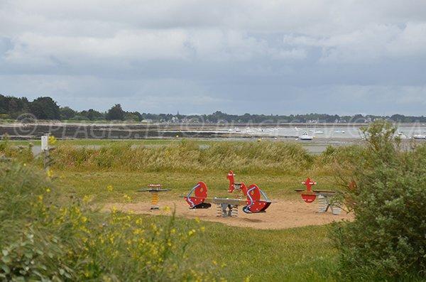 Jeux pour les enfants sur la plage de Penvins
