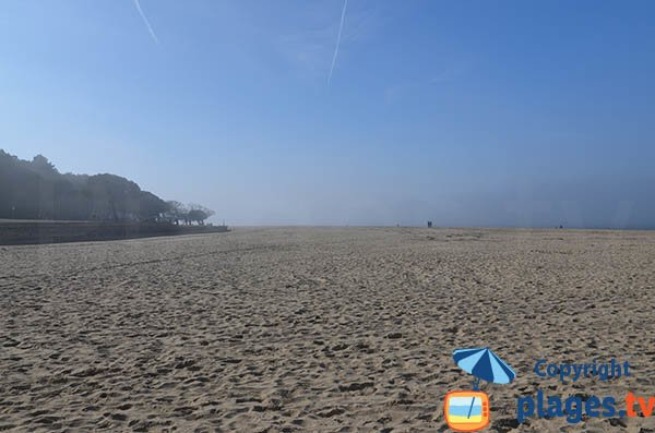 Plage de Pereire au début de la plage des Abatilles