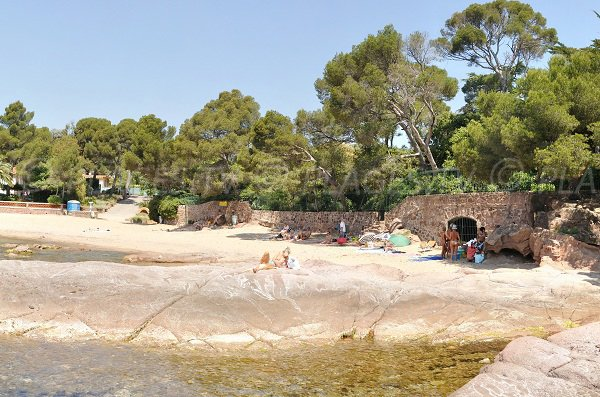 Plage de sable de la Pescade à St Raphael