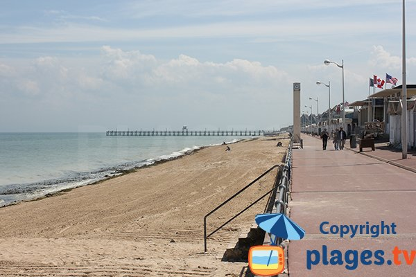 Promenade along Petit Enfer beach - Luc sur Mer