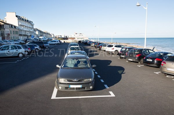 Parking de la plage du Petit Enfer