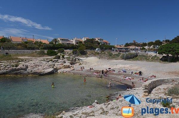 Petit Nid beach in Sausset les Pins - France