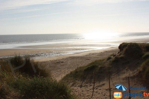 Petit Sochard beach towards Pont d'Yeu