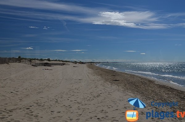 Photo de la plage du Petit Travers à côté du parking