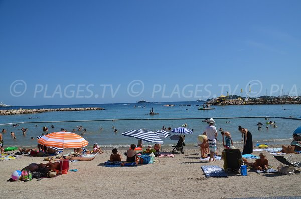 Beach protected from jellyfish in Beaulieu sur Mer