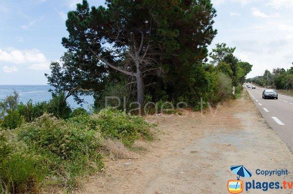 Route d'accès des criques à proximité de la plage de Canella
