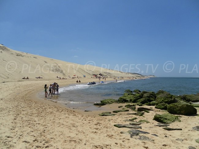 Beach at the foot of the dune of Pilat in France