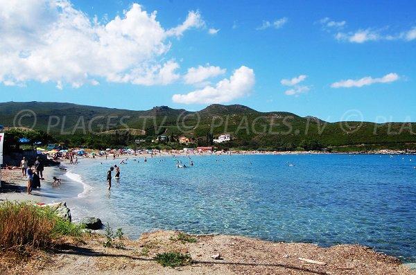Vue de la plage de la marine de Pietracorbara dans le Cap Corse