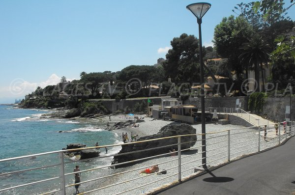 Plage de Pietranera au nord de Bastia