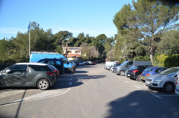Parking of Pin de Galle beach in Le Pradet