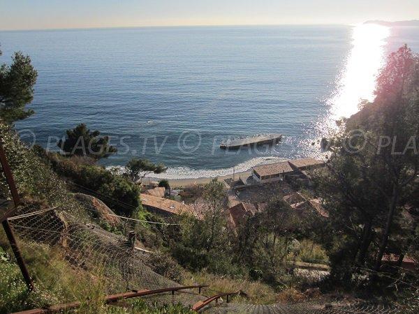 Vue de la plage du Pin de Galle du Pradet depuis le haut des escaliers