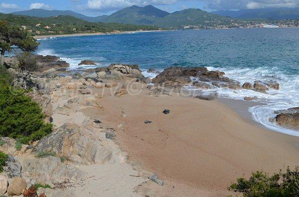 Plage secrète dans le golfe de Valinco en Corse
