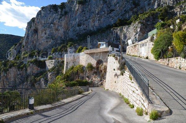 Zufahrtsstraße zum Strand Pissarelles